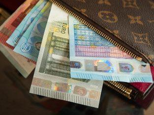 Pożyczka między poważną osobą w Polsce i jego otoc